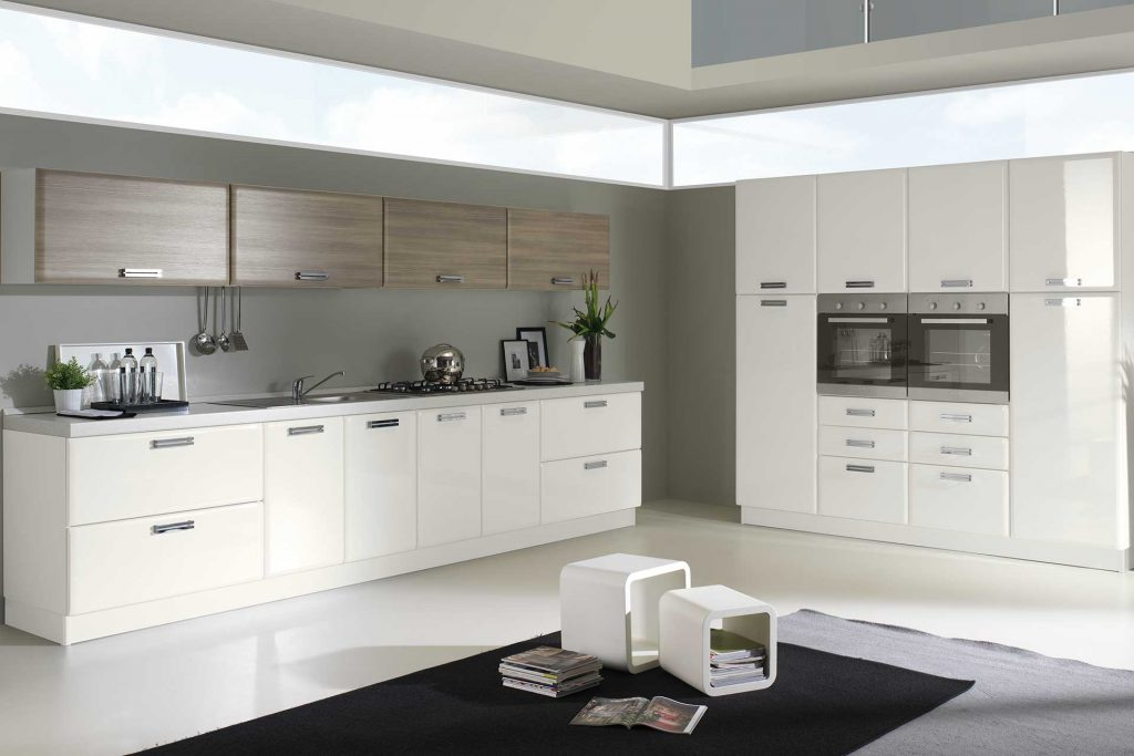 Cucina Moderna Ambra con finitura bianco lucido e grigio gessato
