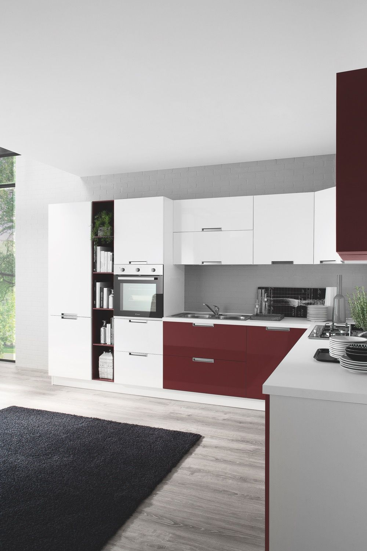 Cucina moderna Smile, con finiture opache legno e lucide ...