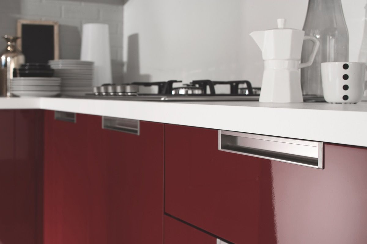 Cucina moderna Smile, con finiture opache legno e lucide - NETCUCINE