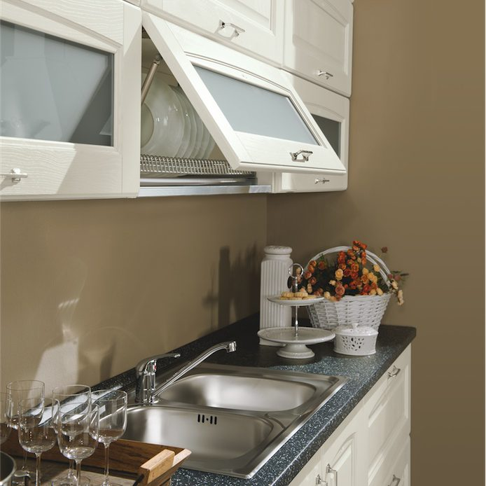 Cucina classica Bea particolare pensile scolapiatti vetro