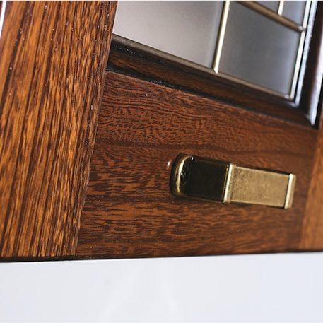Cucina Classica Ninfa particolare telaio vetrina con maniglia bronzata arte povera