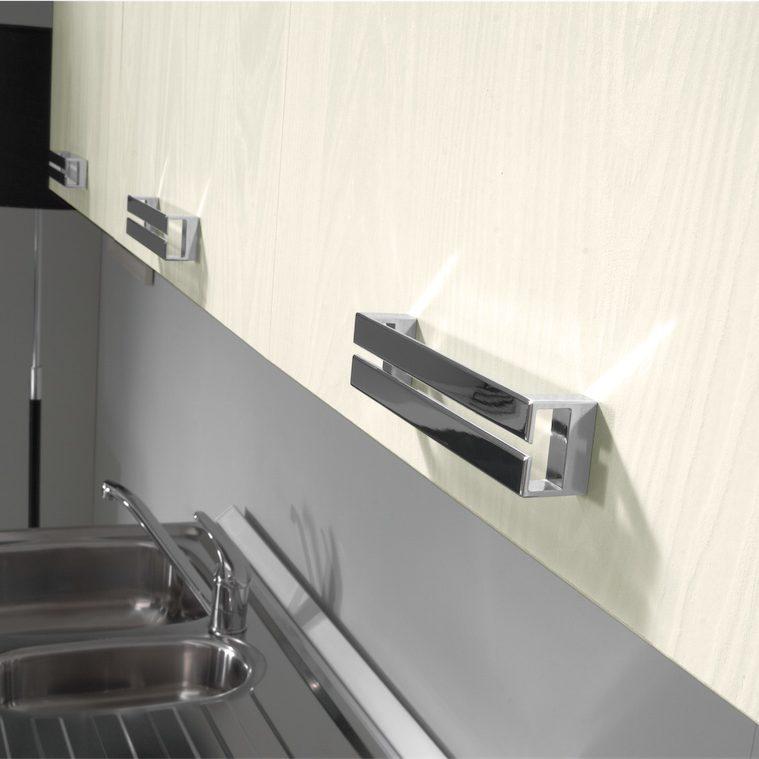 Cucina moderna Kira particolare serie di pensili in ghiaccio yosemite con maniglia Rail