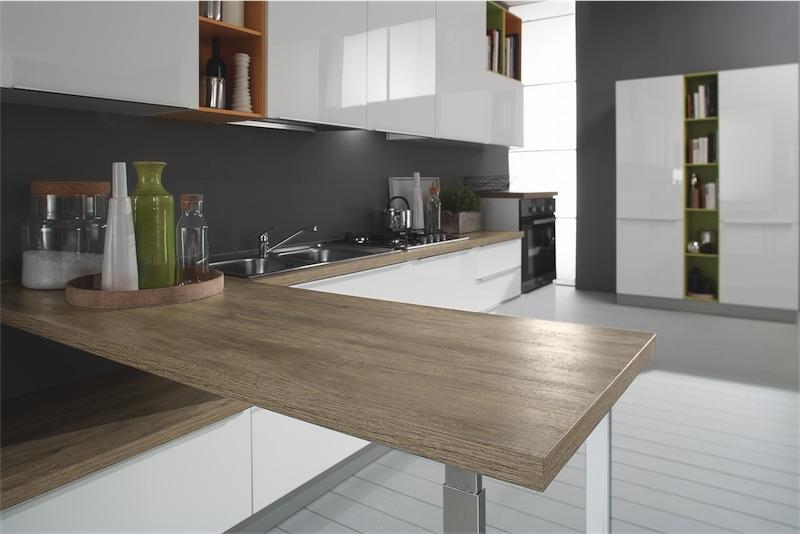 Cucina moderna Mia, moduli ben progettati per sfruttare gli spazi ...